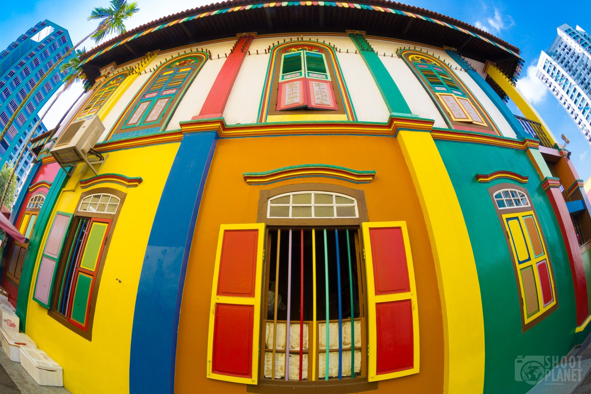 Colorful little India houses in Singapore