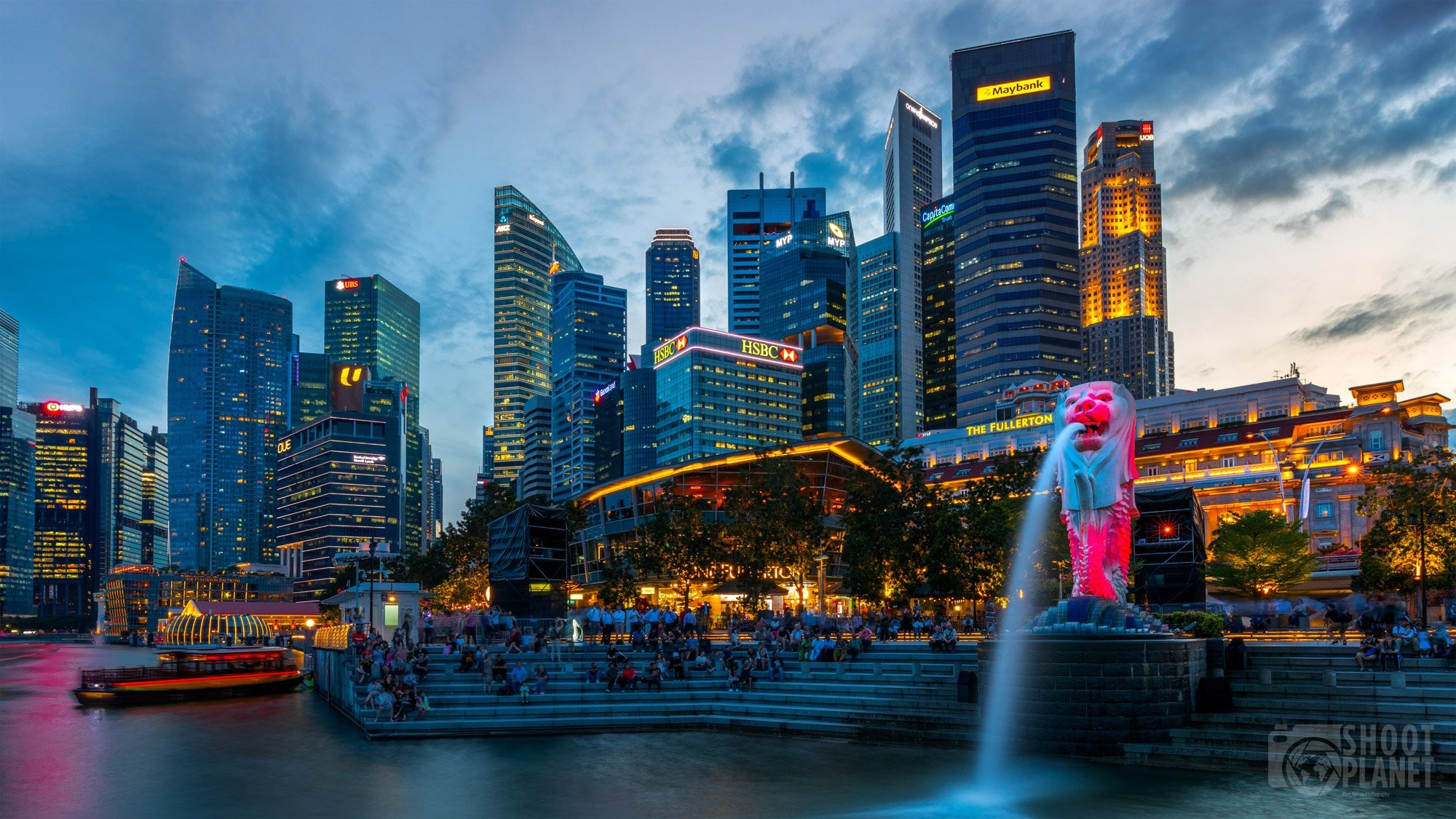 Merlion fountain and business district sunset, Singapore