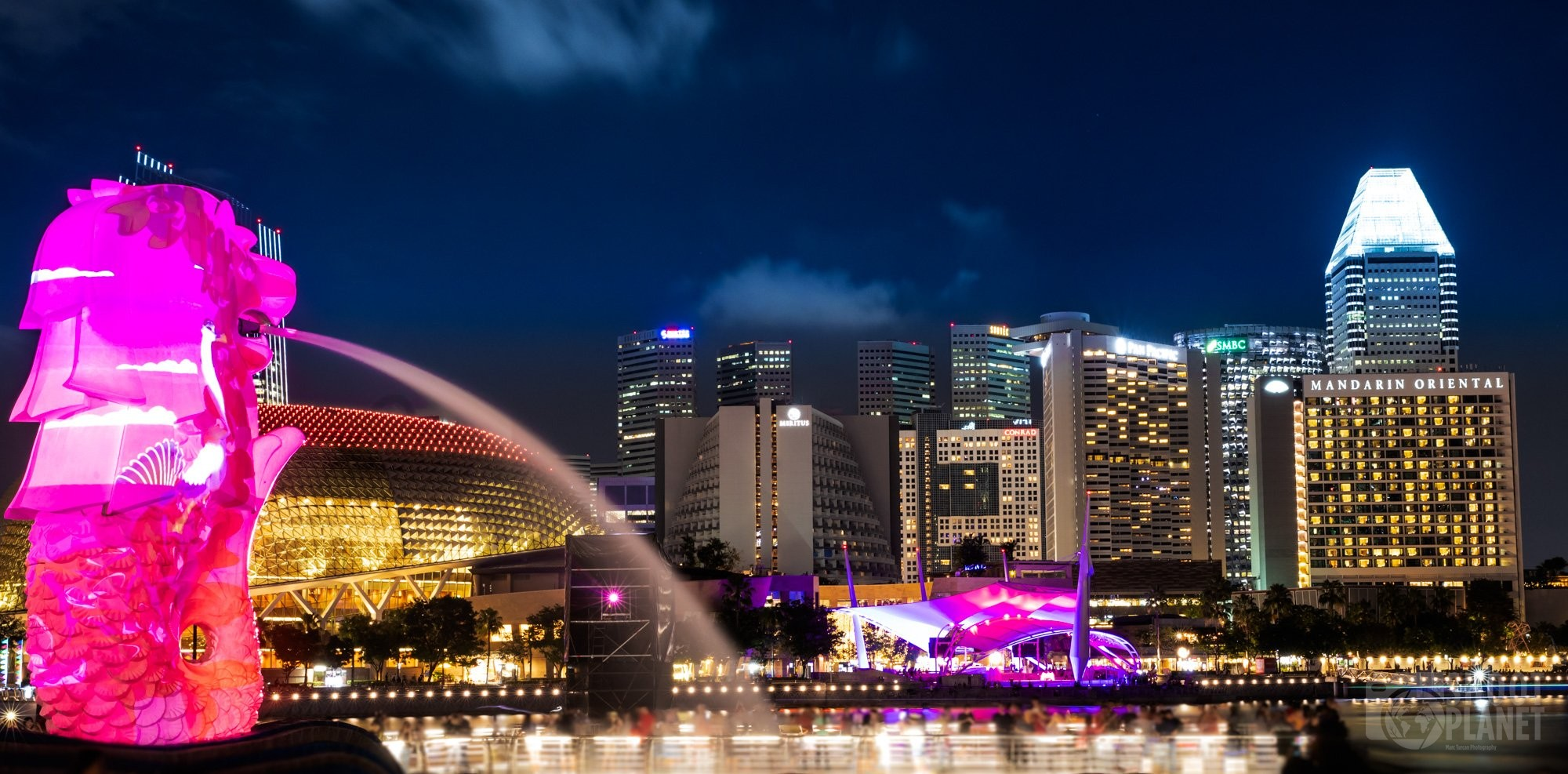 Merlion fountain and skyline twilight, Singapore