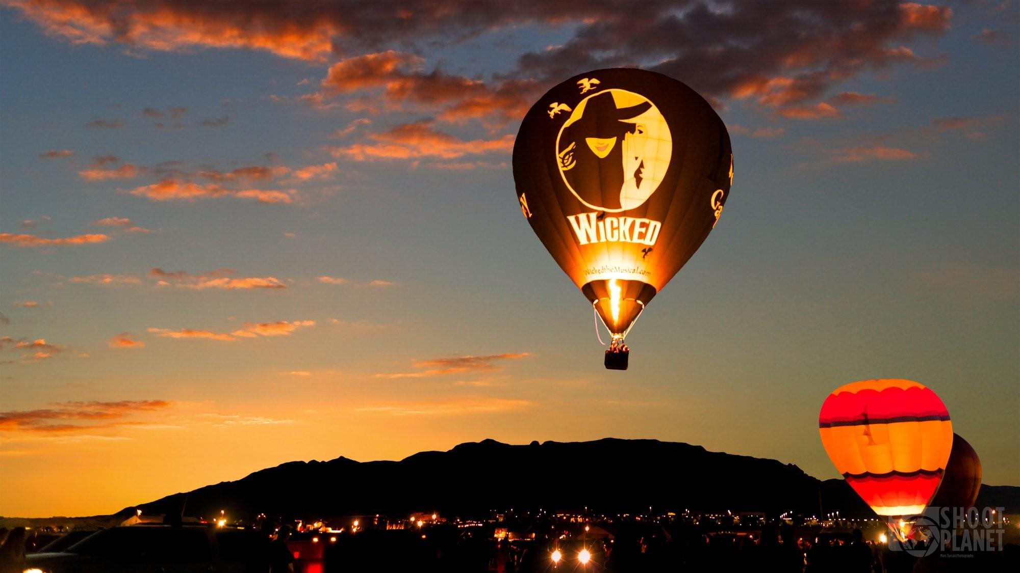 Sunrise on hot air balloons, Albuquerque USA
