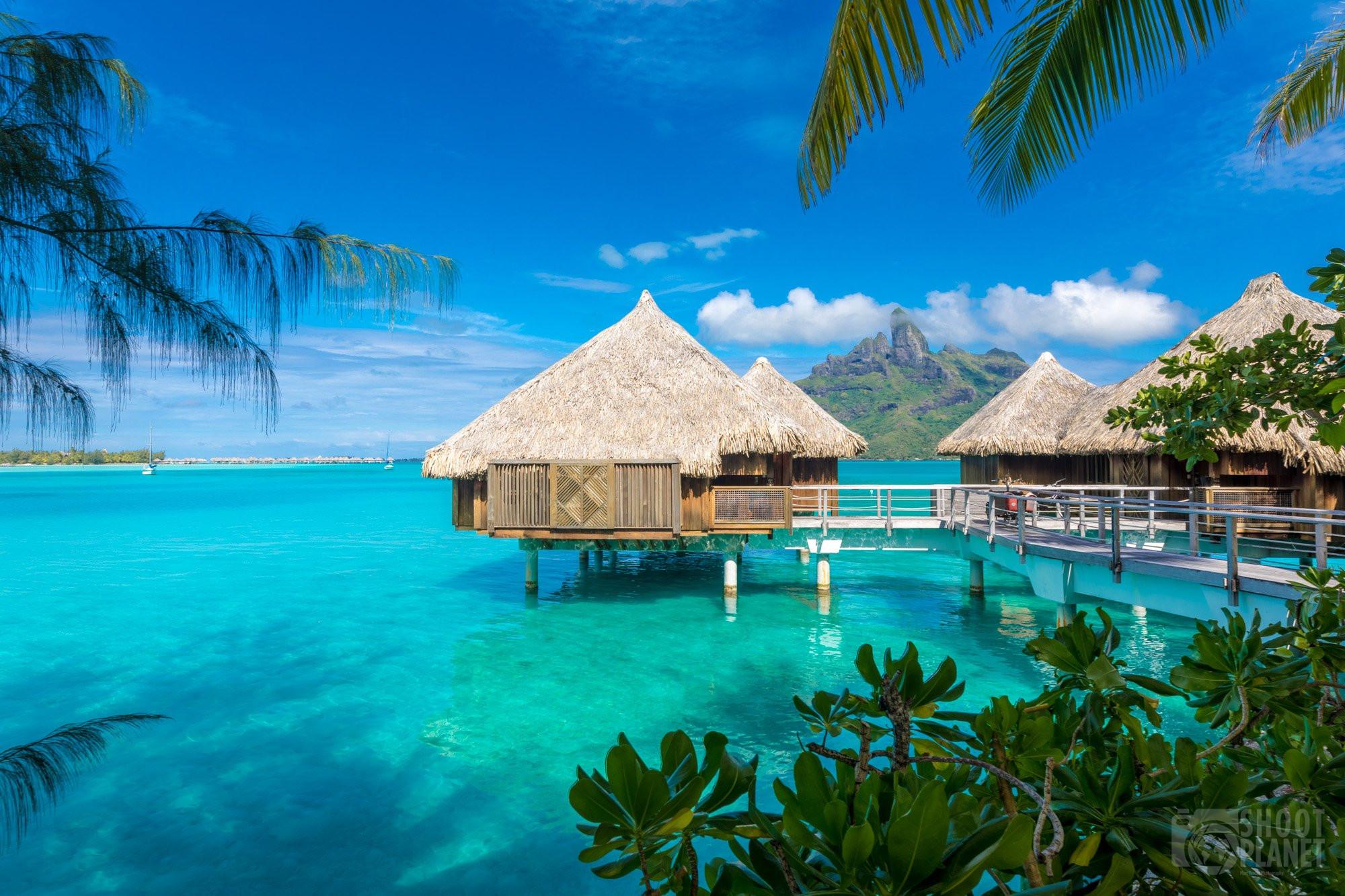 Bora Bora overwater bungallows