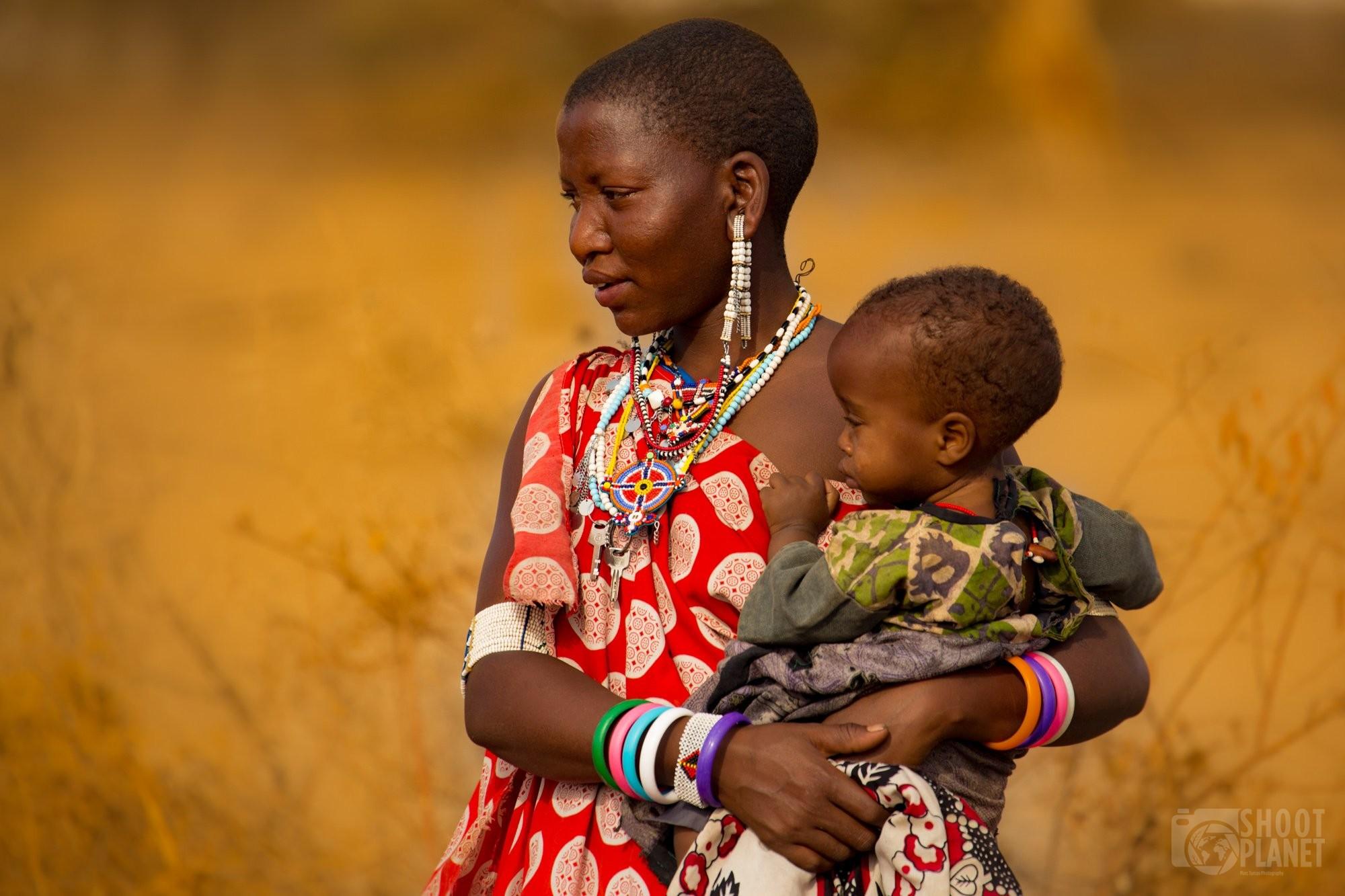 Masai mom and kid, Tanzania