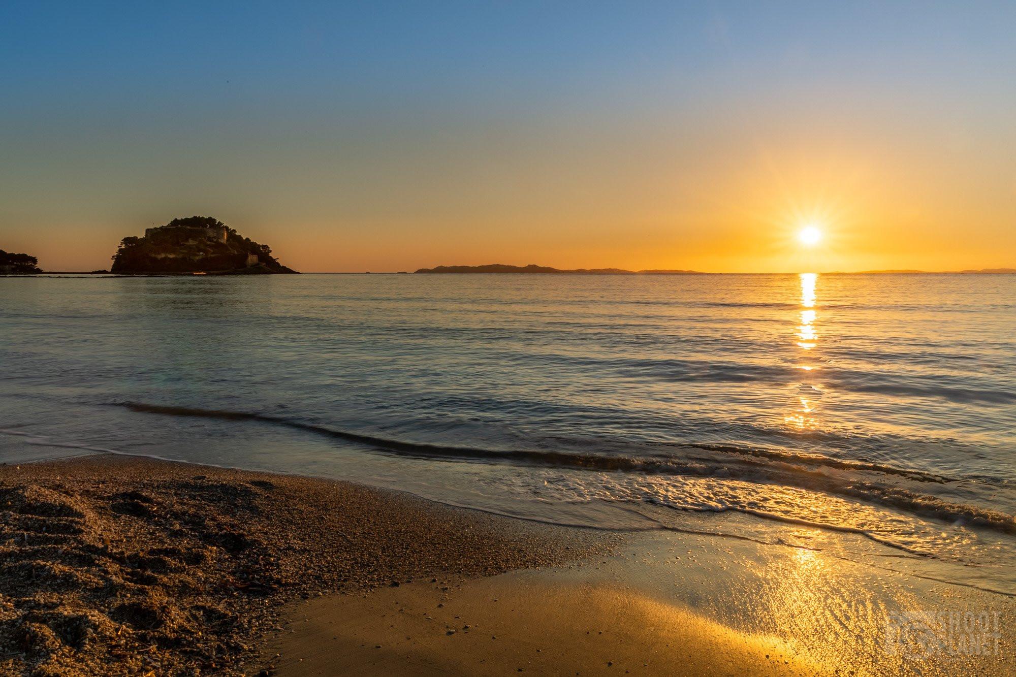 Bregançon fort beach sunset, France