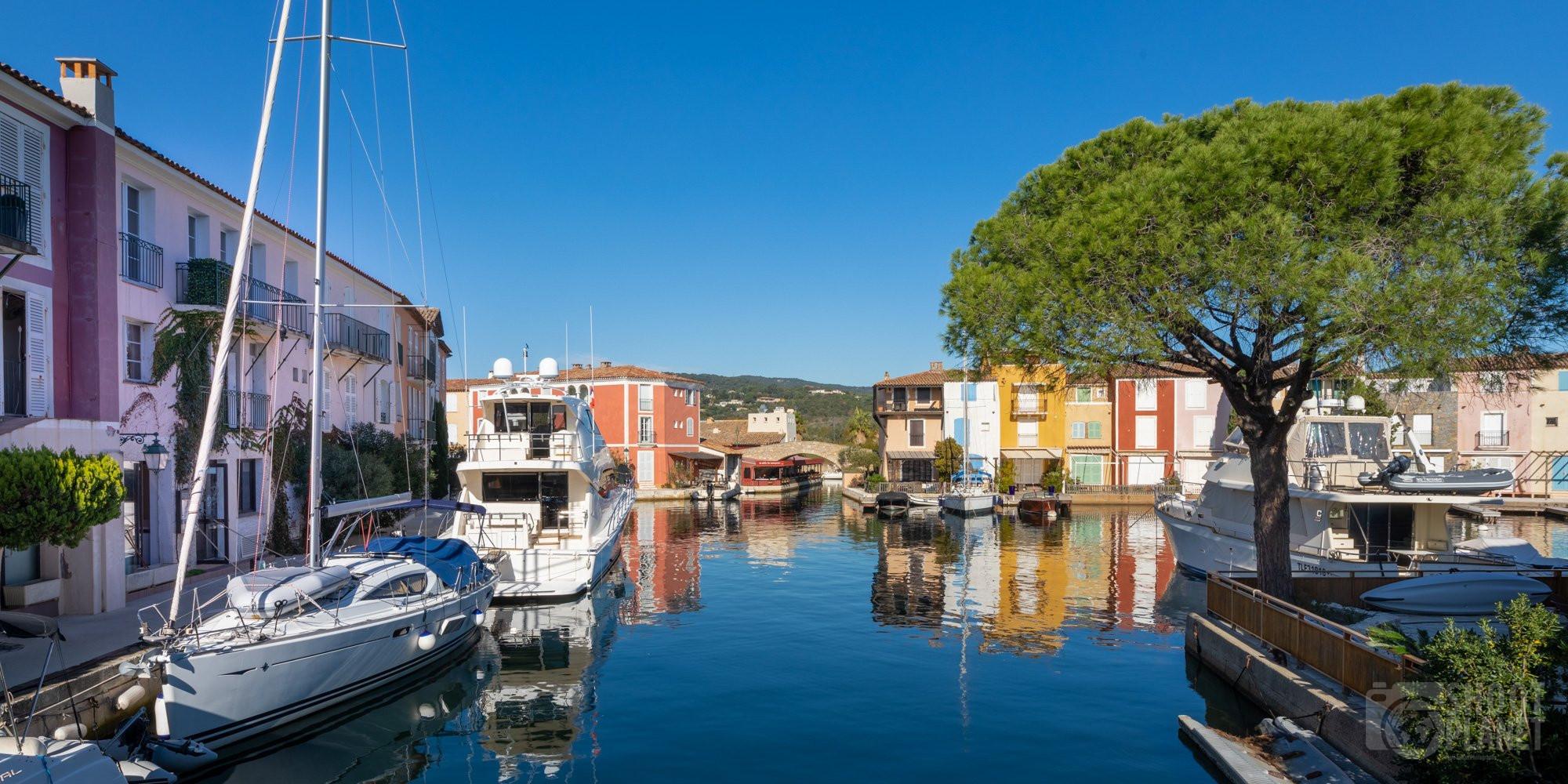 Port Grimaud colorful houses, Azure Coast France