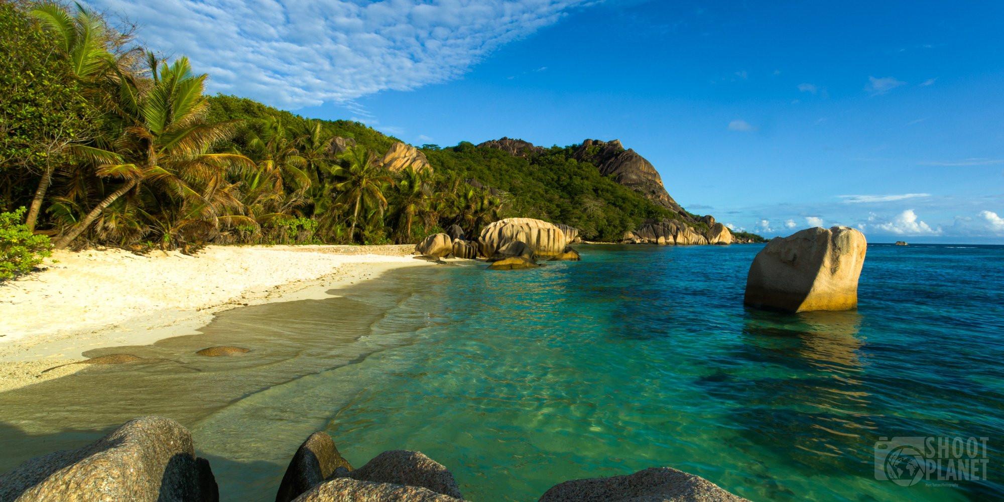 Beach and granite rocks, La Digue, Seychelles