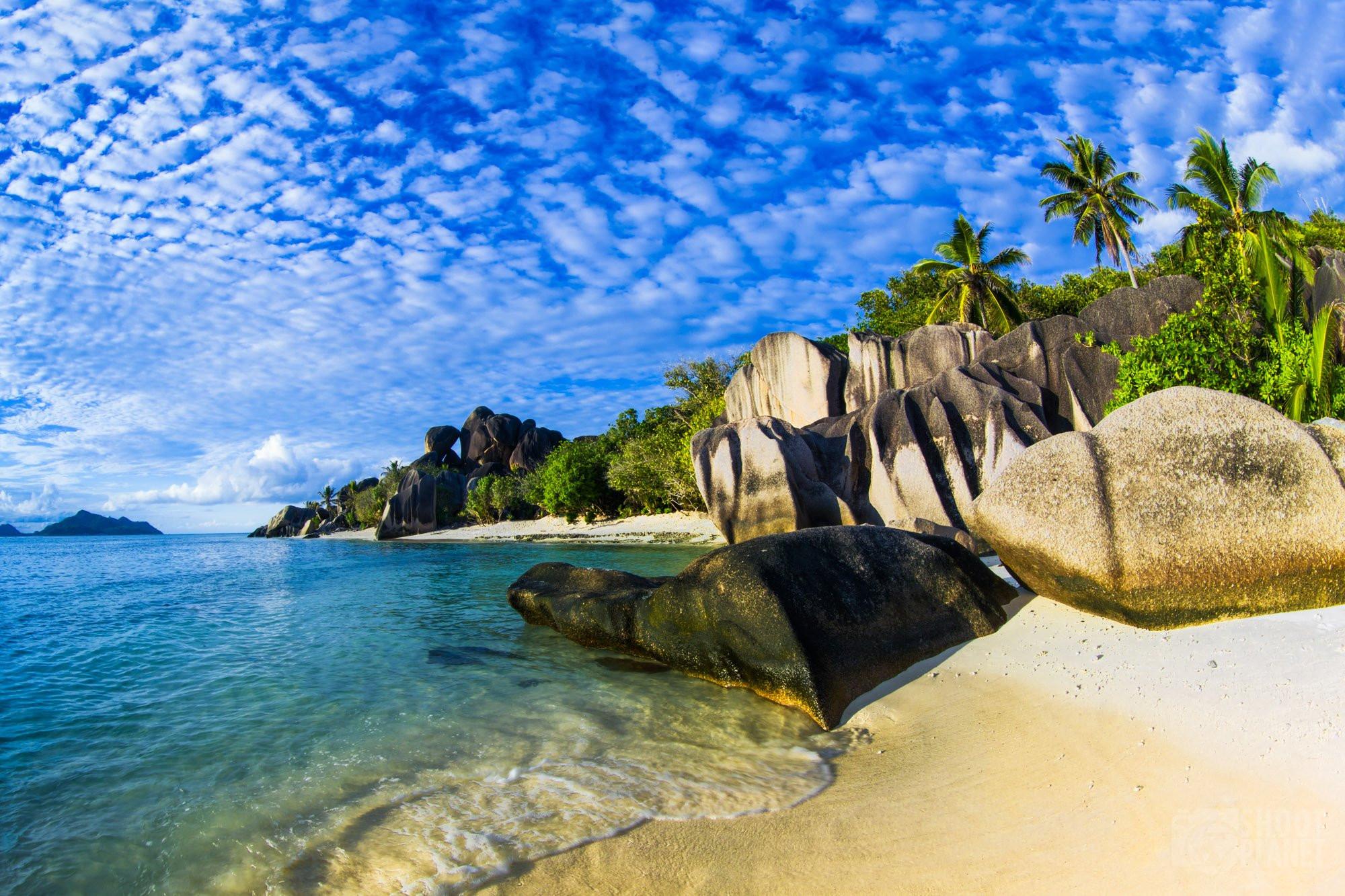 Sandy granite rock beach, La Digue, Seychelles