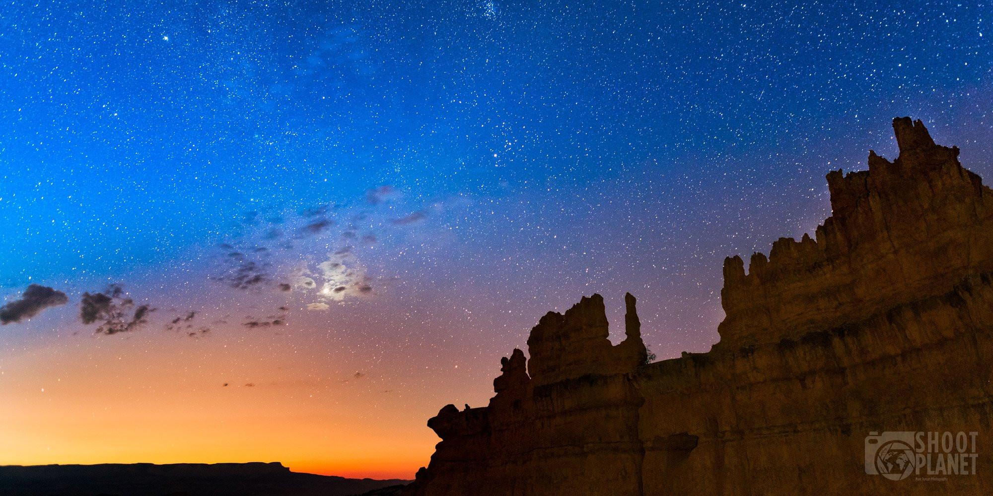 Sunrise moon, Bryce Canyon National Park, USA