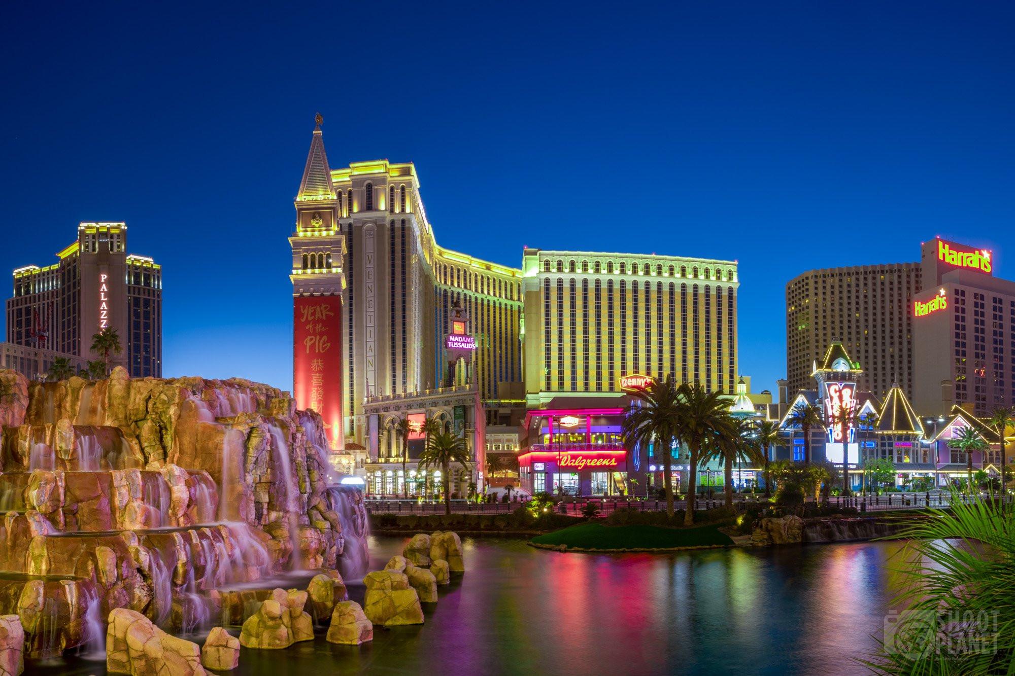 Venitian and Mirage Casinos, Las Vegas Nevada
