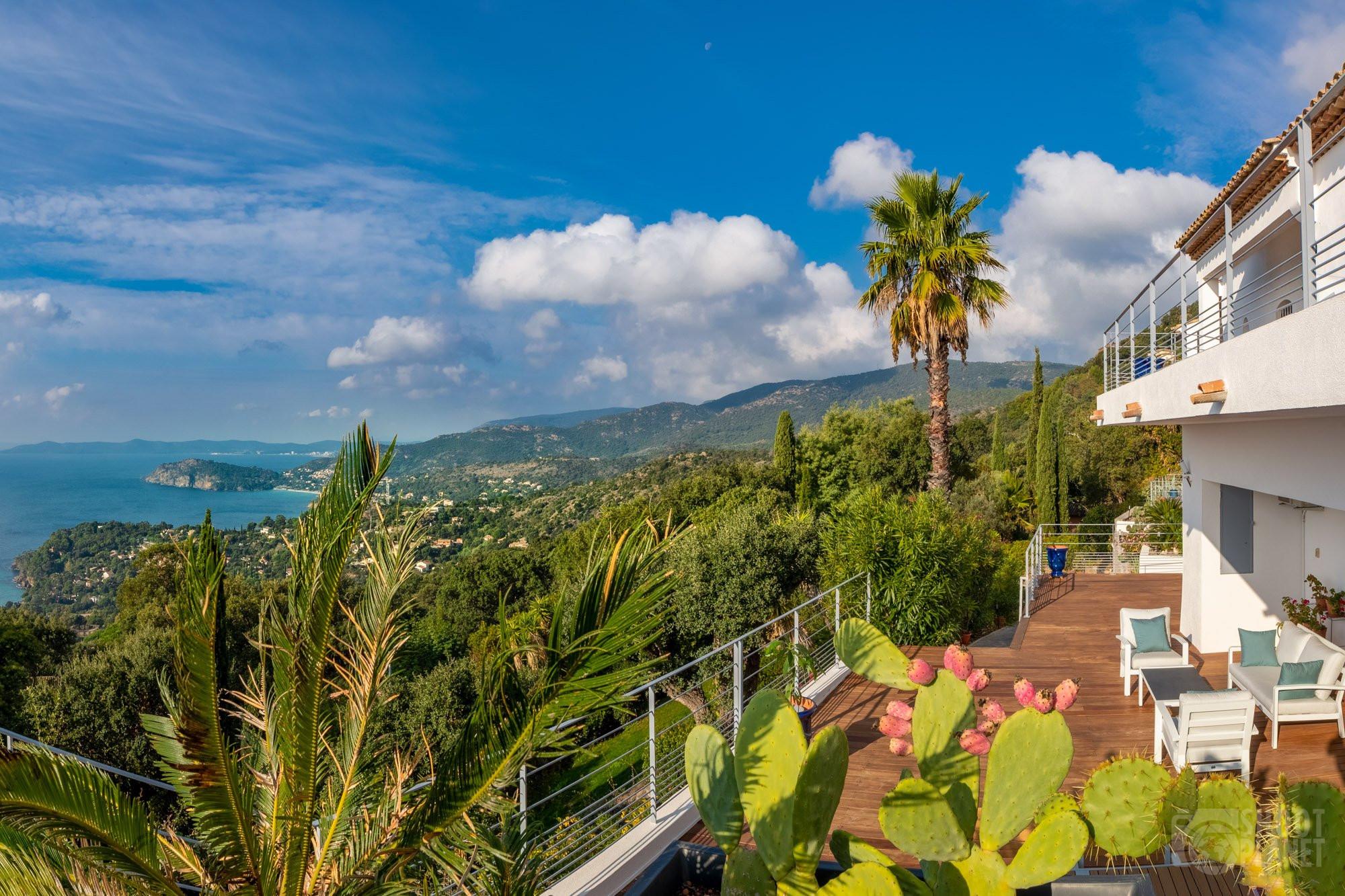 Terrasse view from Vistazur house, Azure Coast France