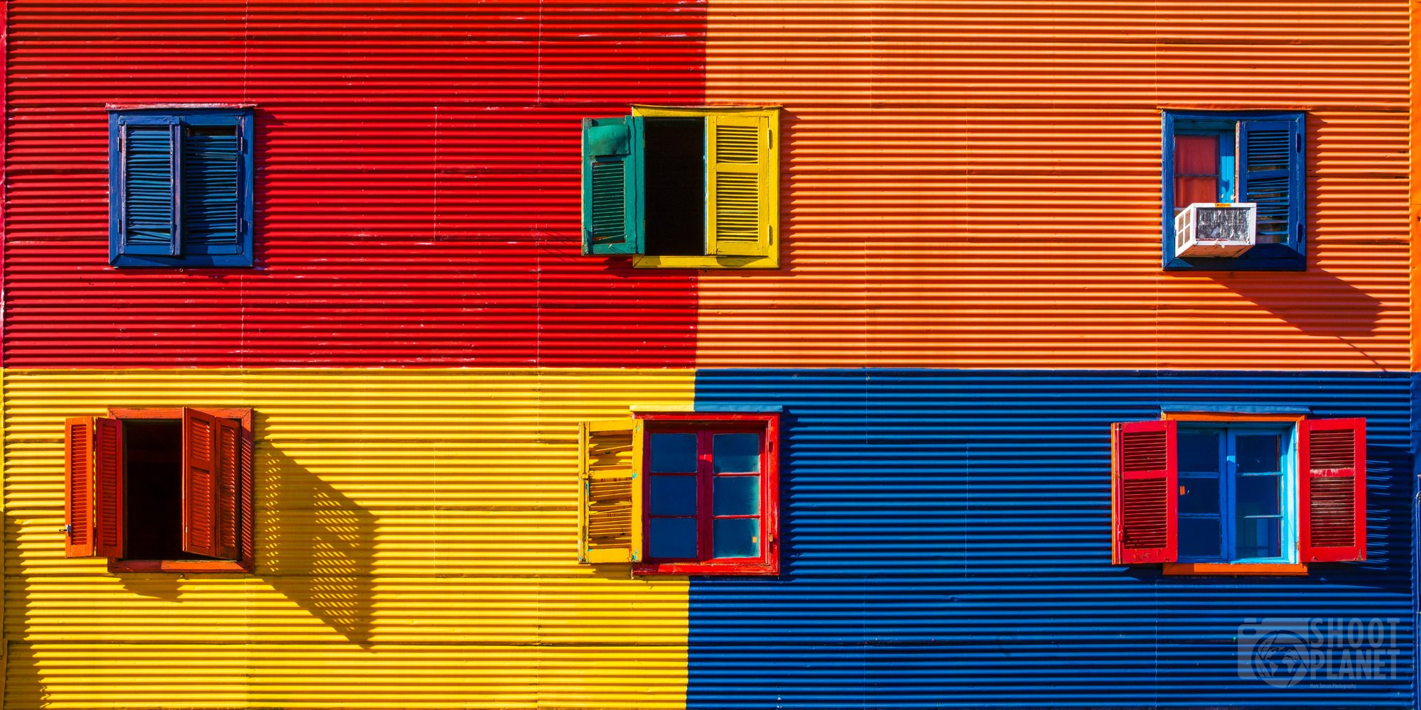 Buenos Aires La Boca Caminito windows, Argentina