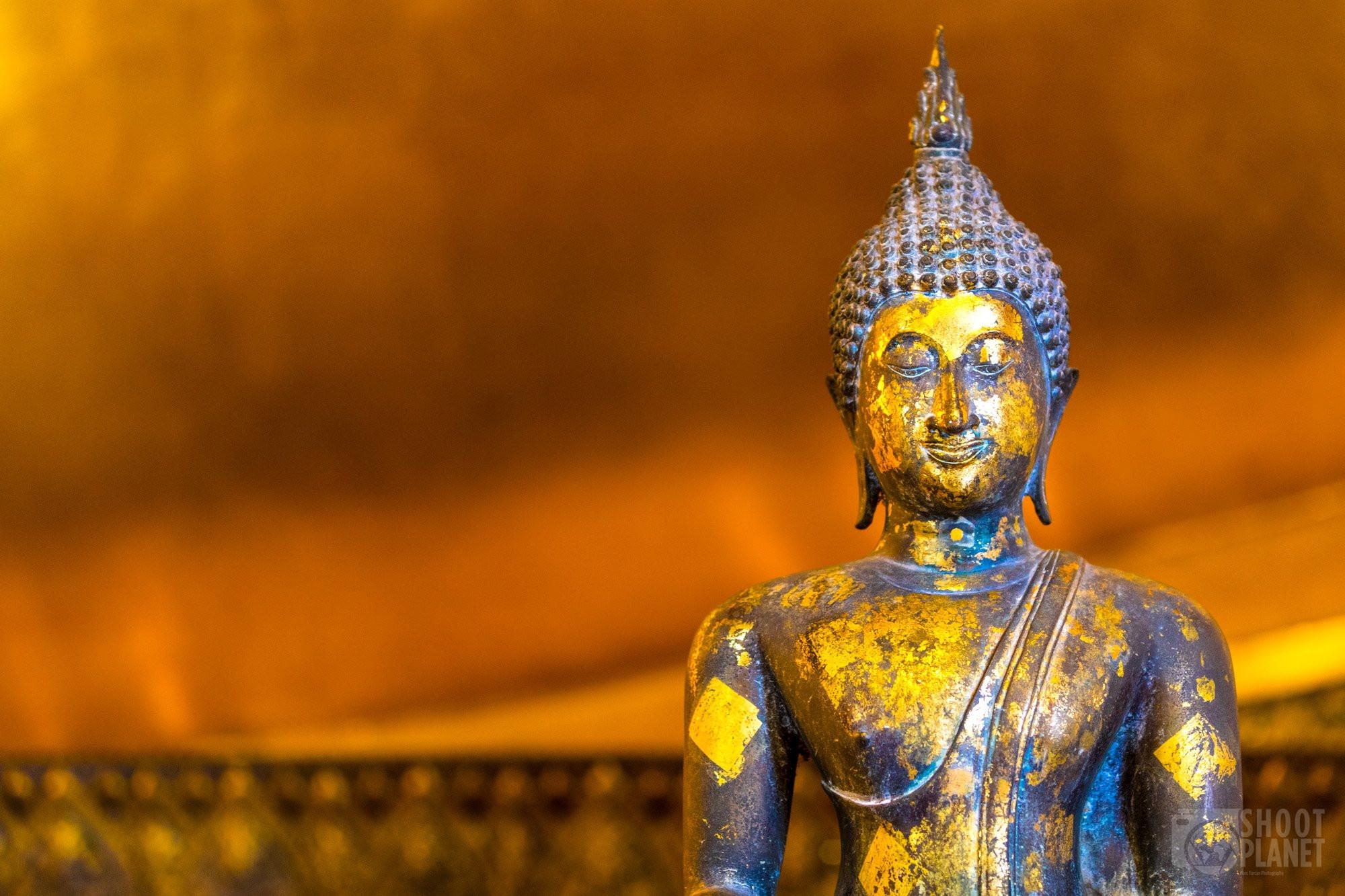 Buddha gold leaf, Wat Pho, Bangkok Thailand