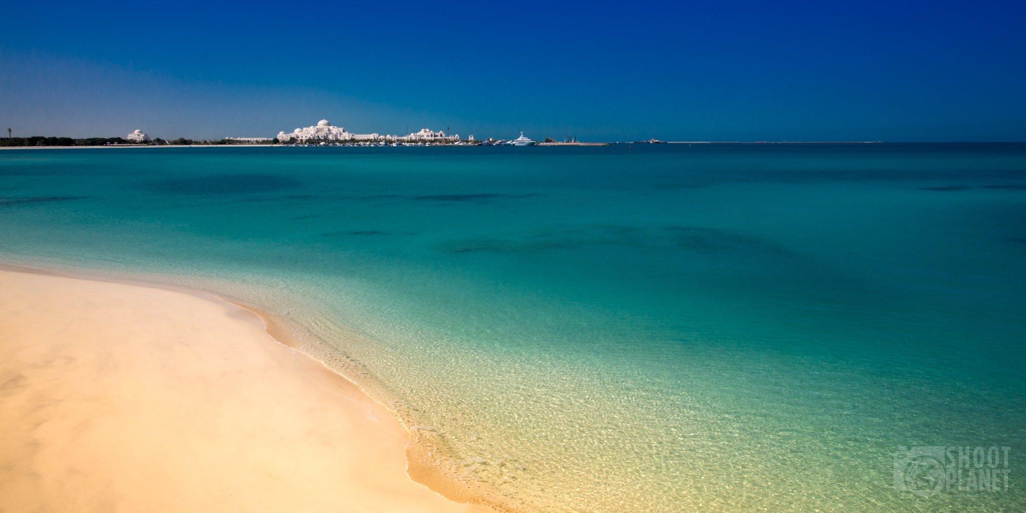 White sand beach, Persian Sea, Abu Dhabi