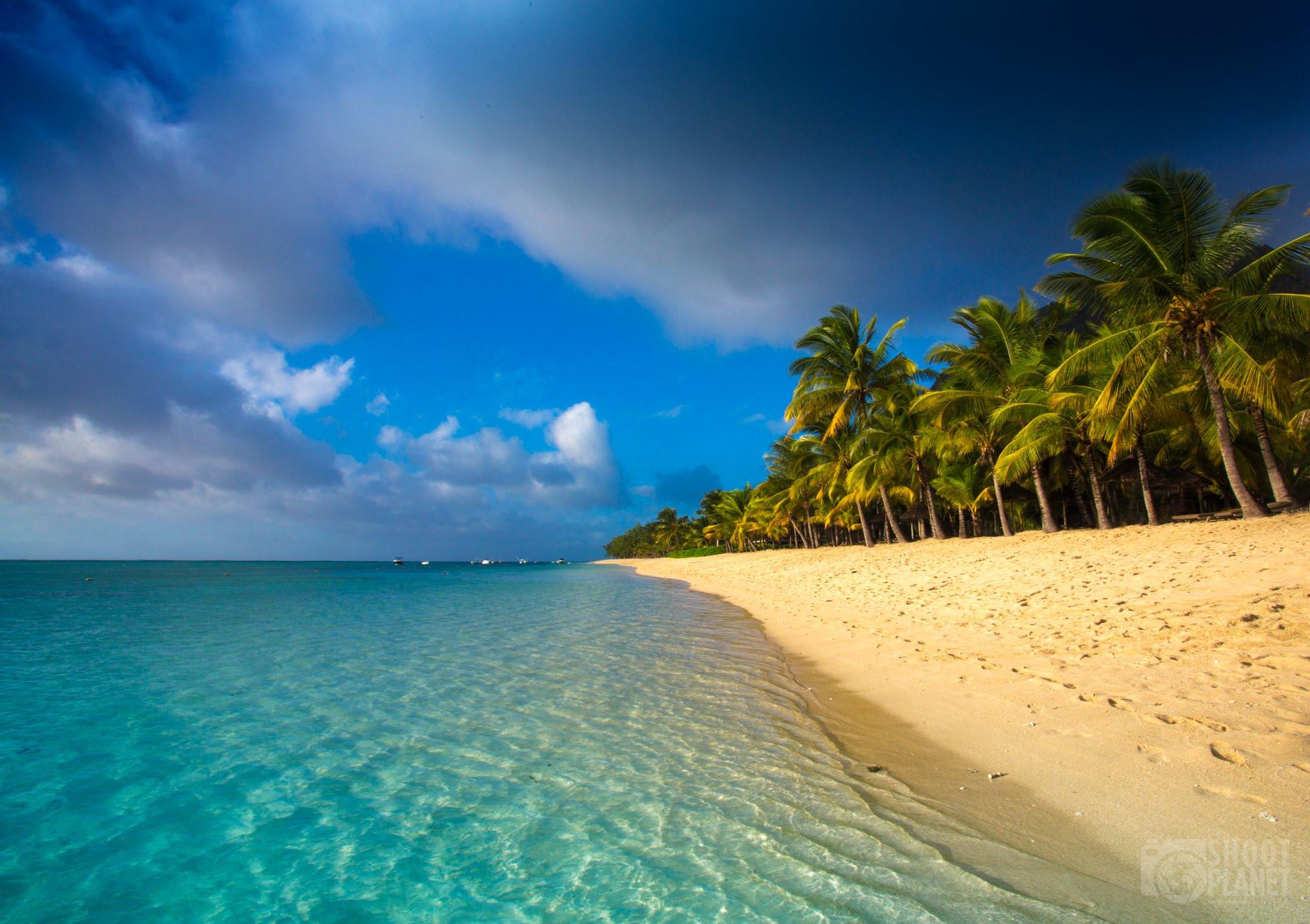 White sand beach and Indian Ocean, Mauritius