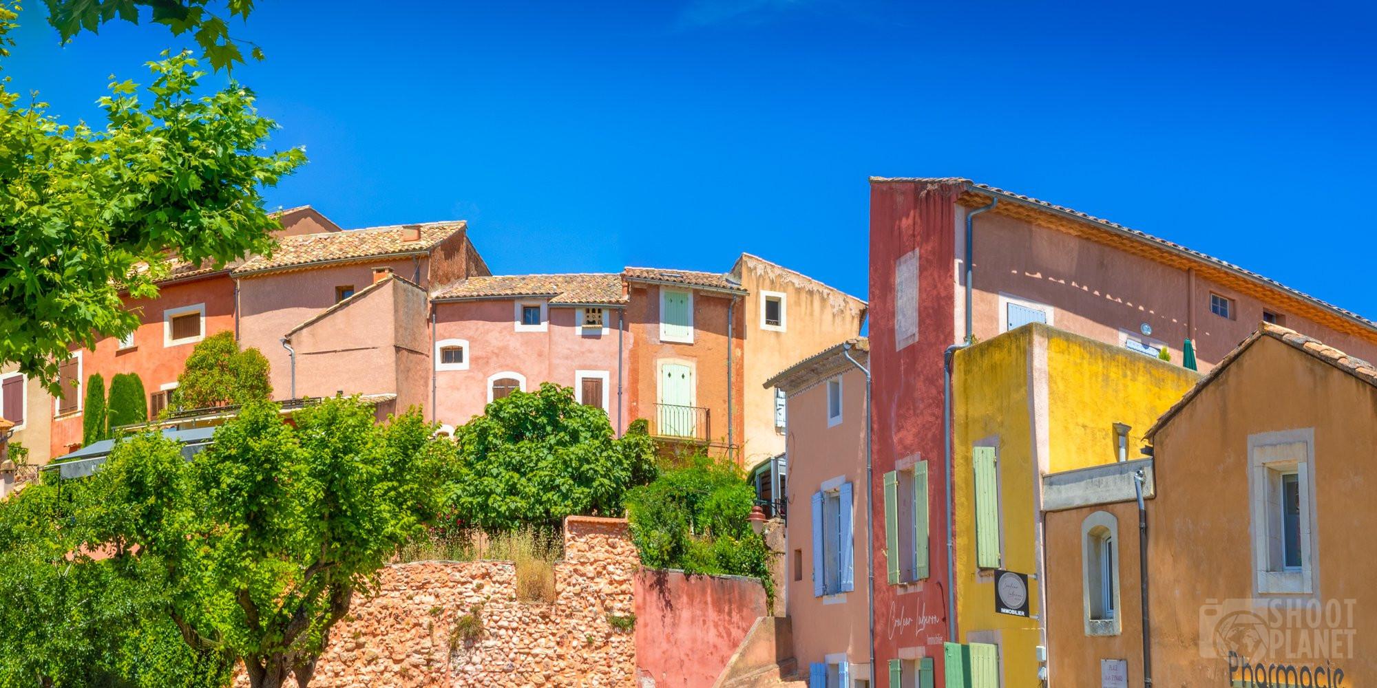 Roussillon Provençal village houses, Vaucluse, France