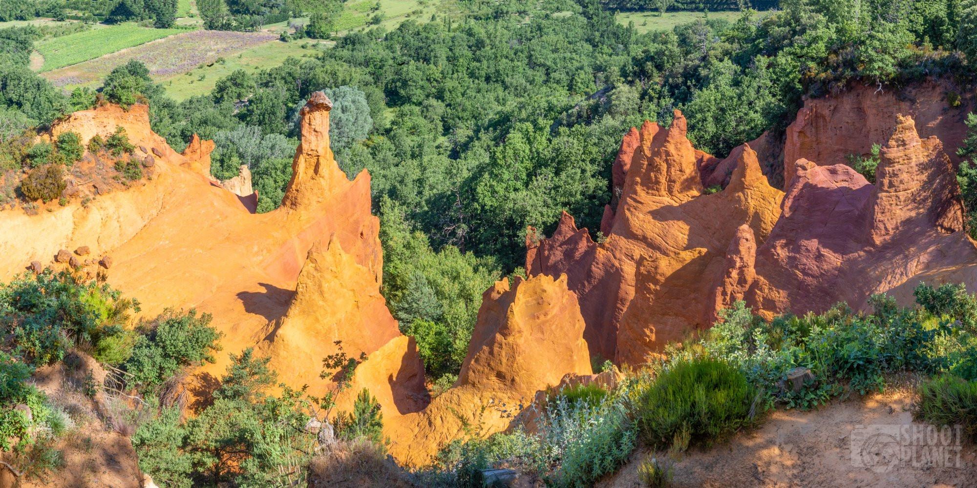 Colorado Provençal rocks in Vaucluse, France